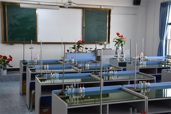 汇承中学实验室